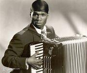 50 Cent con fisarmonica.jpg