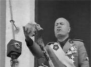 Mussolini teschio.jpg
