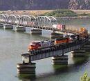Treno a fine ponte.jpg